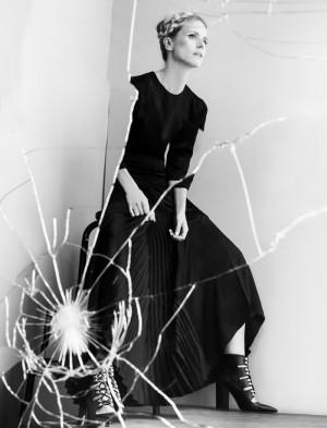 Thea Lewis-Yates Stylist 539