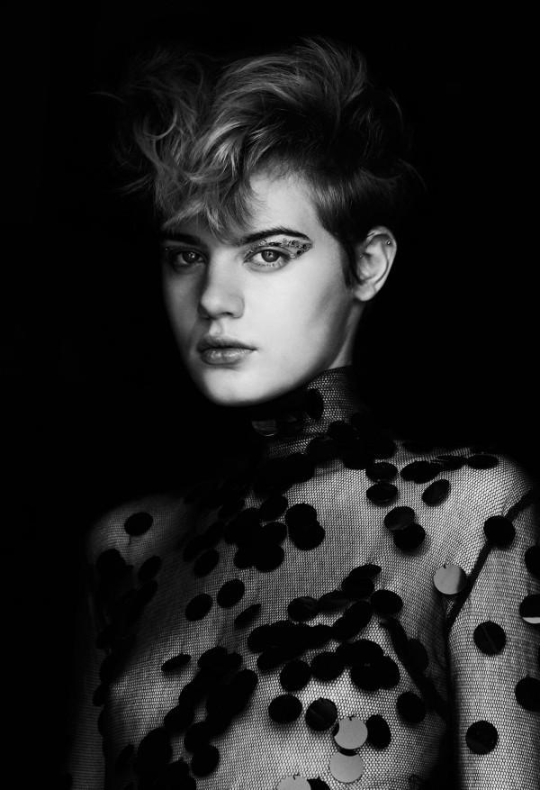 Thea Lewis-Yates Stylist 958