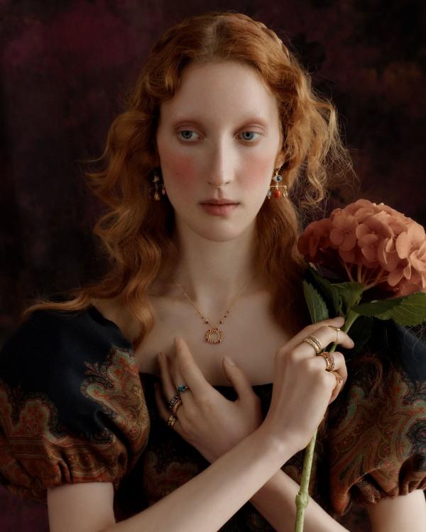 Thea Lewis-Yates Stylist 2070